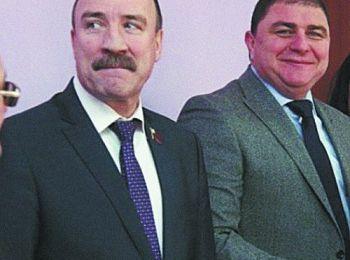 Председатель областного Совета народных депутатов Леонид Музалевский и бывший губернатор Орловской области Вадим Потомский последние три года часто смеялись