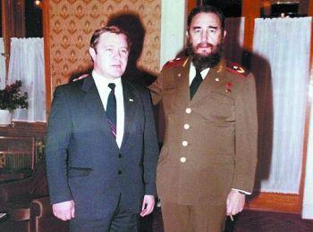 Леонид Брежнев и Фидель Кастро | 260x350